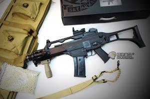 【翔準國際AOG】S&T 七套件 G36電動槍(L型內紅點+槍袋+外調式紅外線+握把+單點槍背帶+4000發BB彈+G36電動衝鋒槍)