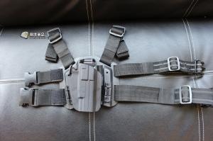 【翔準軍品AOG】超級萬用槍套 腿掛 硬殼槍套 黑 快拔手槍套整組 GLOCK M9 HI CAPA P1105CA