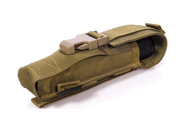 ~~翔準AOG~~ FLYYE翔野 消音器手電筒包 (黑/綠/沙) (主要材料:美國英威達 公司專利CORDURA® 高品質軍規)
